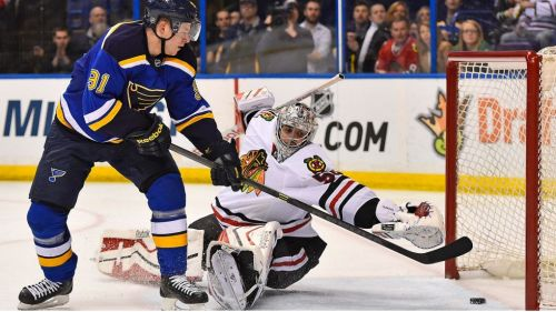 Blues-vs-Blackhawks-Tarasenko-shot
