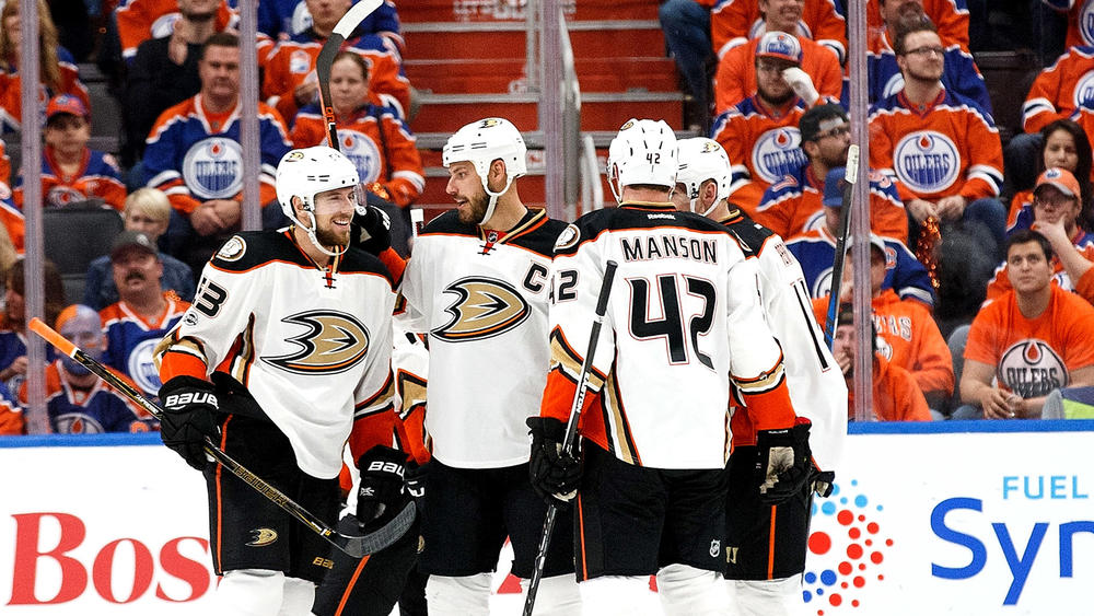 Ducks take Game 4 in OT over Oilers