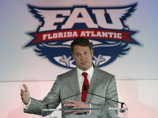 Lane Kiffin signs a 10 year contract withFAU